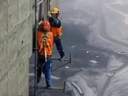 scaffolders dismantle hanger
