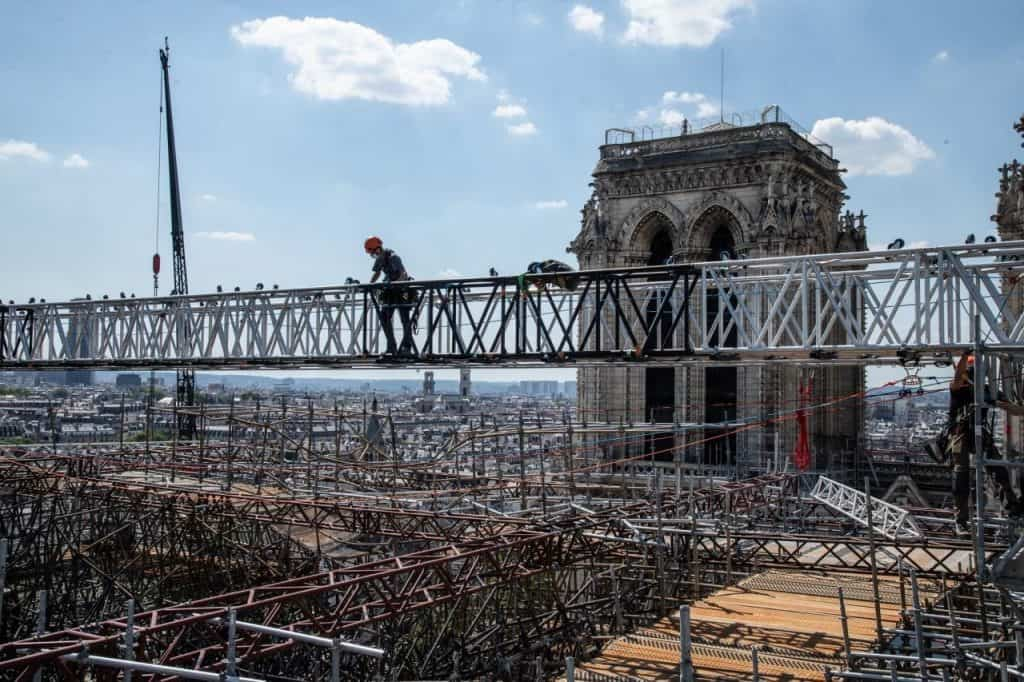 Notre-dame melted scaffolding