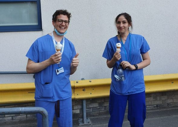 Watford Scaffolding hands out ice creams to NHS staff