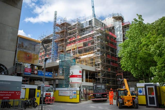 Construction contracts awarded increase