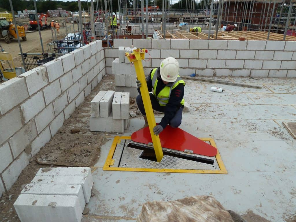 Contractors can now access Plettac Matrix System and TRAD SafetyDeck from a single source