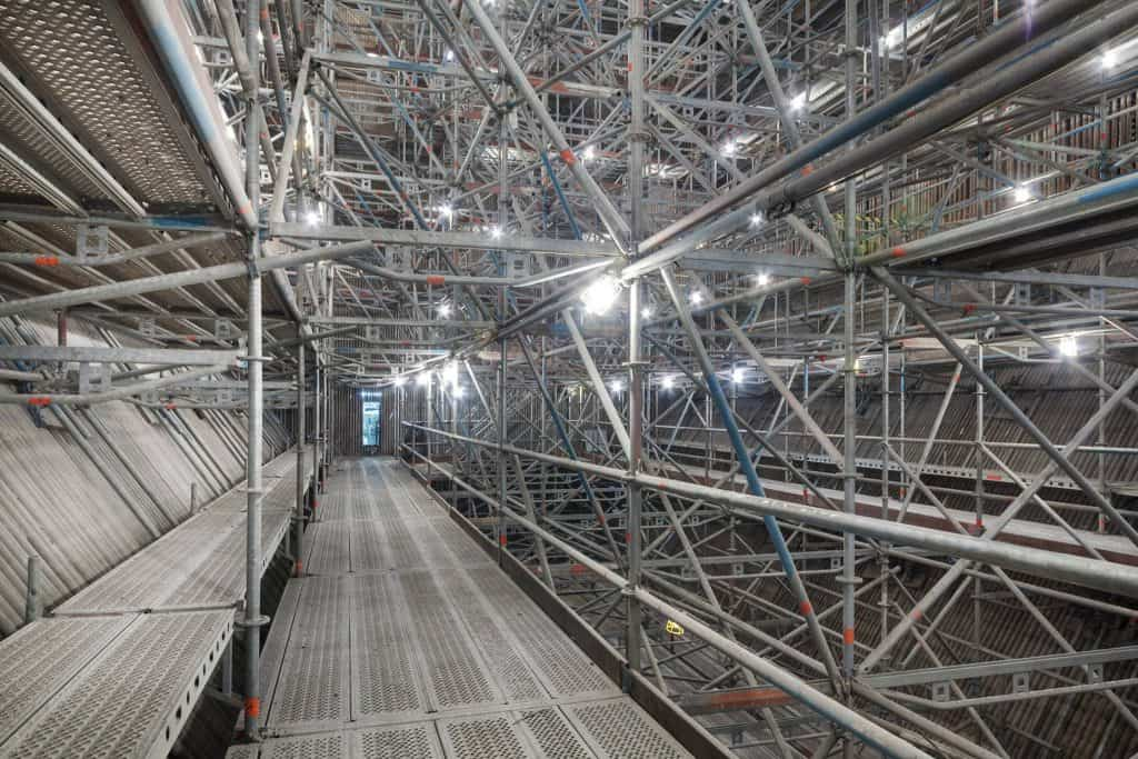 Layher Allround scaffolding to the internal boilers